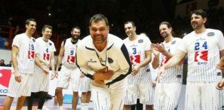 Ο Δημήτρης Παπανικολάου το highlight του αγώνα-vid