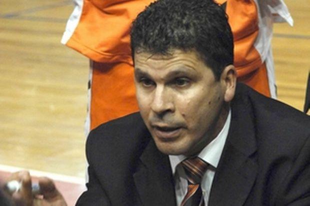 Ακράτα: Αντικατέστησε Δημήτρη Παπαδόπουλο με Νίκο Βουρνά
