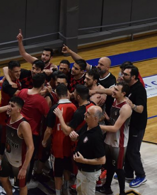 Πολυδωρόπουλος: Δεν συνεχίζει στον πάγκο της Παναχαϊκής