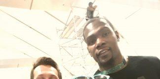 Η Κριστέλ Βουρνά selfie με τον Durant!
