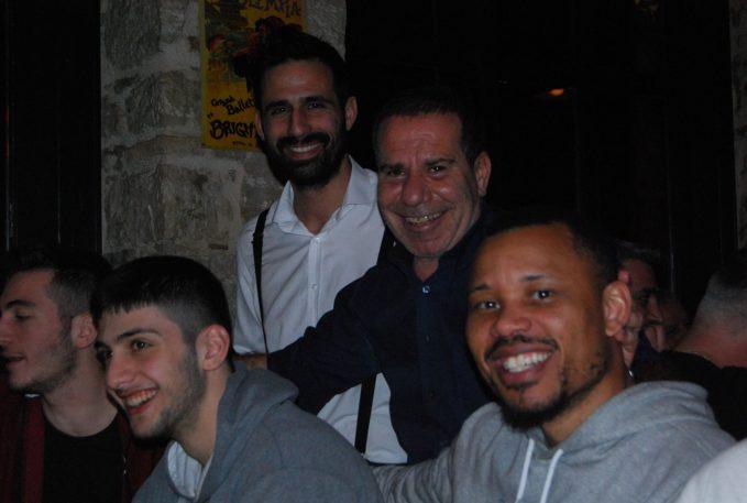 Οικογενειακό δείπνο για τον Απόλλωνα Carna στο Beer Bar Q από τον Στ. Οικονόμου-pics