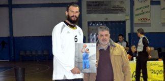 Γλαύκος: Αναμνηστικό στον Φώτση για την προσφορά του στο Ελληνικό μπάσκετ-pics
